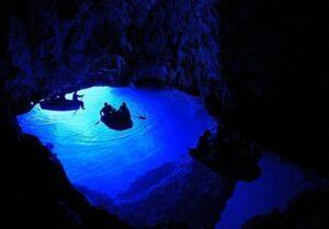 غار آبی، کرواسی