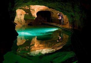 غار جنولان، استرالیا
